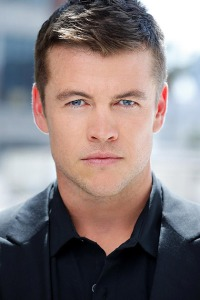 luke-hemsworth-Stephen Hardy