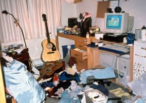messy-bedroom-03
