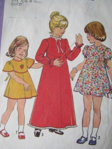 simpicity_8321_sz_3_4_vintage_70s_girls_dress_sewing_pattern_b8565cb9
